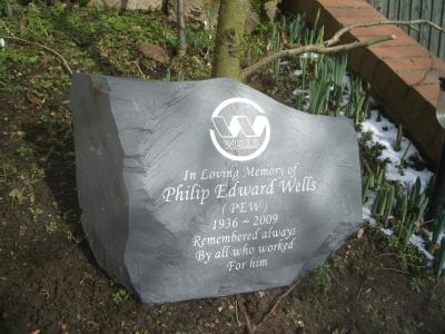 Garden Memorial Stones and Pet Memorials